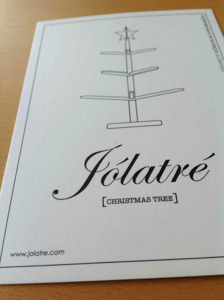 JOLATRE - Islandsk hvidt juletræ. På Kronborg Slots julemarked var mine rigtigt gode naboer Jólatré. Initiativringe og spændende folk er bag. De sælger et helt enkelt hvidt juletræ. Se/læs mere her: www.jolatre.com