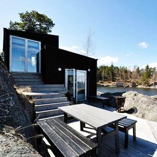 Ve stockholmském souostroví, tedy nádherné a zatím neporušené skandinávské přírodě, se nachází tato architekty a odborníky oceněná chata, kterou...