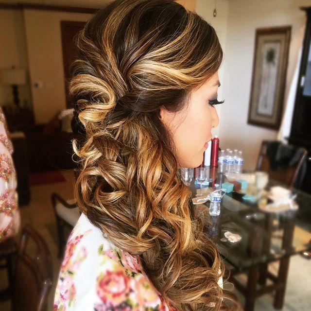 Rapunzel Hair for this 💣🐚 of a bride @msjackieyu 👰🏼 • • • •  #modernsalon  #behindthechair #matrix  #cosmoprofbeauty #shearcraft #stylemepretty #stylistssupportingstylists #hairinspiration  #bridalhair #beyondtheponytail #hairstylisttribe  #imallaboutdahair #braidinglife #weddingwire #theknot #braids #bridesmaidhair #oahu #bescene  #beautylaunchpad #hotonbeauty #breerubin #bridesandbalayage  #mauihair #bridalhair #bridesmaidhair #maneinterest #licensedtocreate #chicvintageweddings…