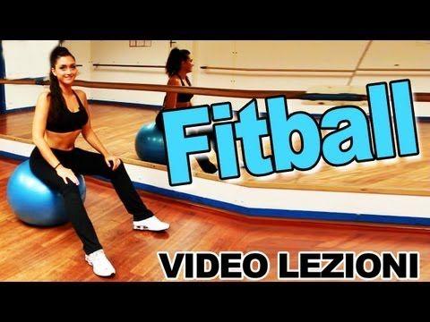 Fitball: Esercizi per addominali, schiena, glutei, dorsali e gambe - Allenamento completo pilates - YouTube