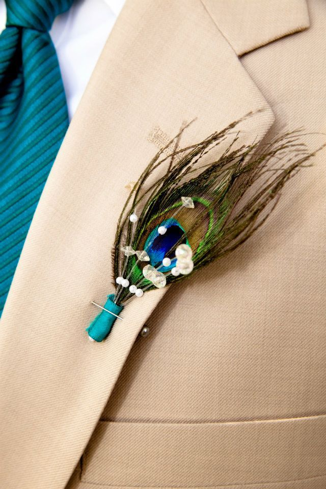 peacock freathers and weddings | peacock feather boutineer | Bonnie's Bitchen Wedding Ideas ...