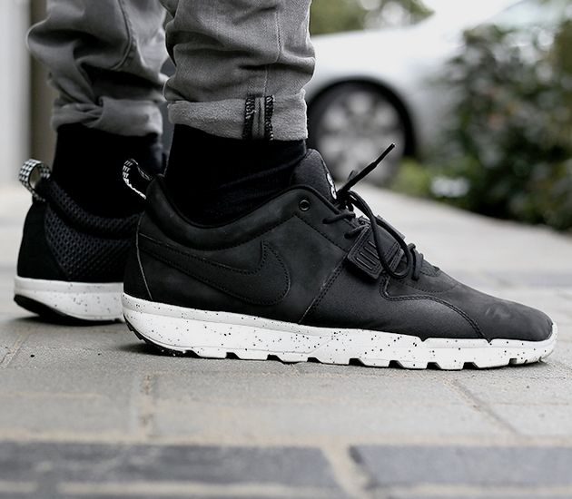 Nike Trainerendor – Black / Black IM in love