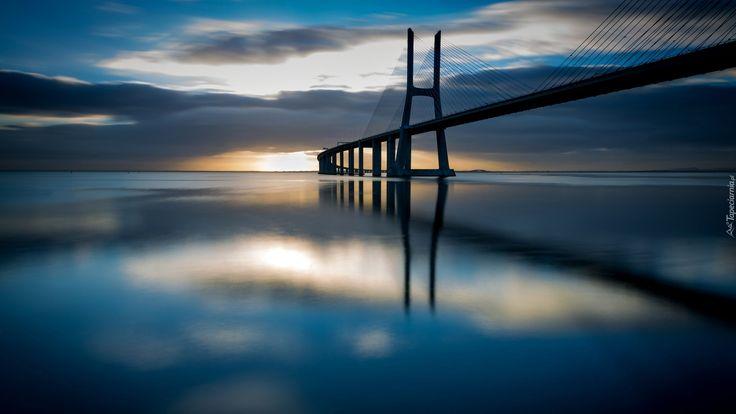 Portugalia, Wschody Słońca, Most Vasco da Gamy, Rzeka Tag