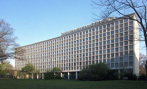 Berlin, Kreuzberg, Bluecherplatz 1, Amerika-Gedenk-Bibliothek.jpg