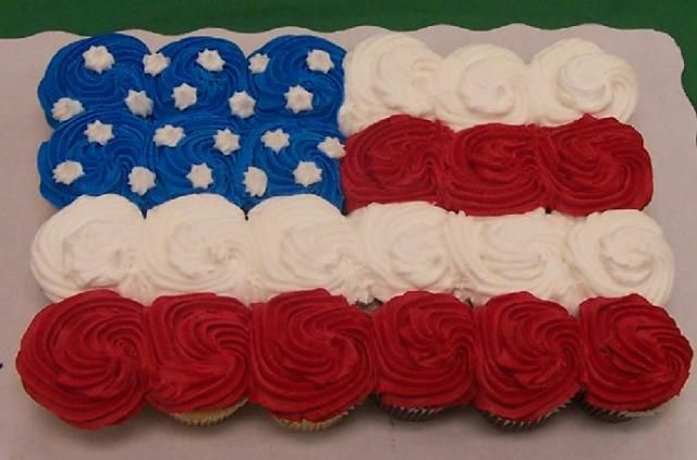 4th of July cupcakes: Flag Cupcake, July Cupcakes, Patriotic Cupcake, Patriotic Holiday, Cupcake Flag, 4Th Cupcake, 4Th Of July, Cupcake Idea