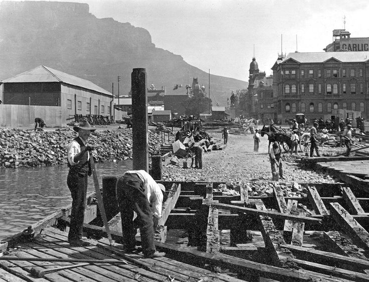Breaking-up of the Jetty at the bottom of Adderley Street, c1922 | by HiltonT