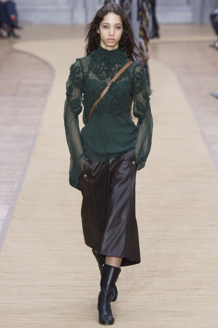 Chloé Fall 2016 Ready-to-Wear Fashion Show  http://theclosetfeminist.ca/  http://www.vogue.com/fashion-shows/fall-2016-ready-to-wear/chloe/slideshow/collection#34