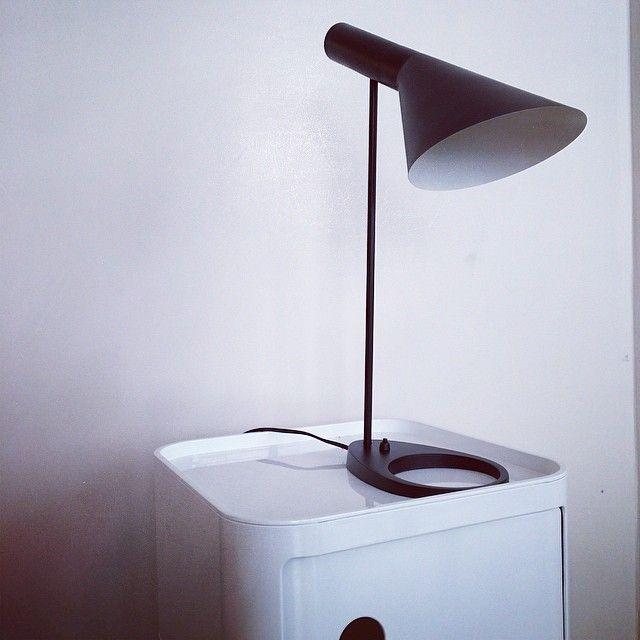 les 77 meilleures id es de la cat gorie l 39 univers meubles design meubles design 39 s. Black Bedroom Furniture Sets. Home Design Ideas