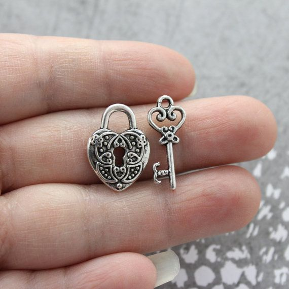 5 Set Antique Silver Heart Small Lock & Key by PineappleSupply