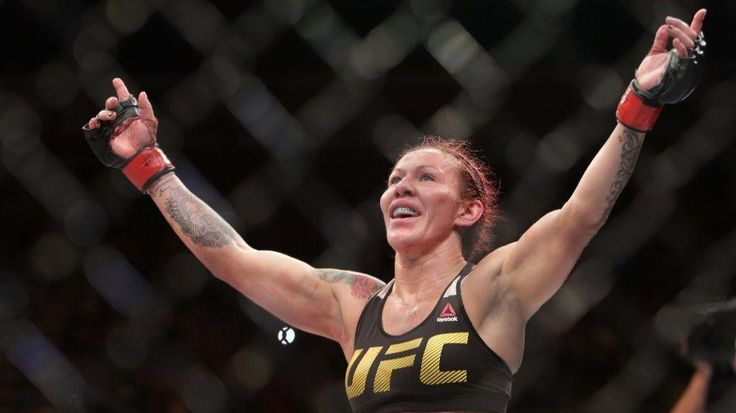 Cris 'Cyborg' Justino will defend her featherweight title against Holly Holm at UFC 219 - Los Angeles Times