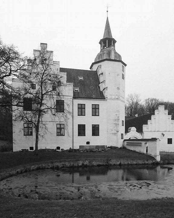 Rydhave Slot som befinder sig i Vestjylland har et spøgelse der hedder Birgitte