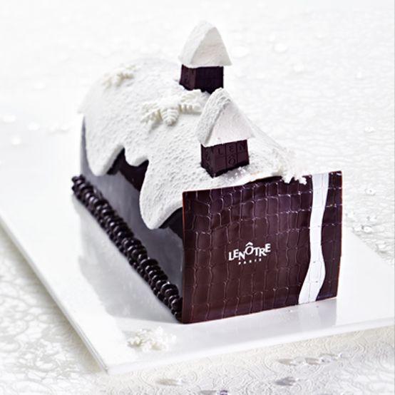 Noël sous la Neige http://www.lenotre.com/fr/Boutique/Catalogue/collection-fetes/buches-patissieres/Buche-Noel-sous-la-neige-IDP83180