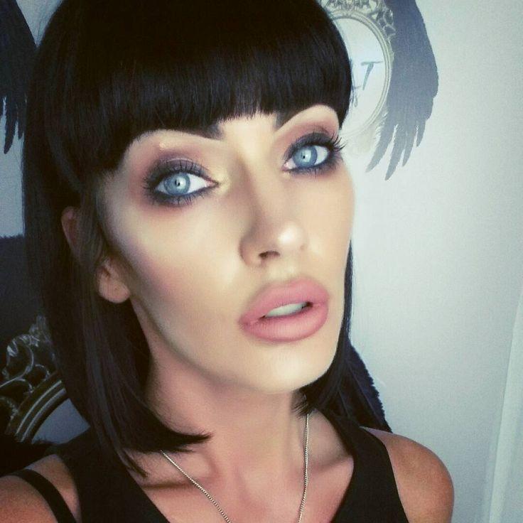 #gold Grunge browns (Please ignore the Mosquito bite on my EYE) ���� @morphebrushes shadows  @inglotuk highlight ________________________________ #InstaTags4Likes #makeup #instamakeup #cosmetic #cosmetics #InstaTags4Likes #love #fashion #eyeshadow #@appslejandro #lipstick #gloss #mascara #mac #eyeliner #lip #lips #concealer #foundation #powder #eyes #eyebrows #lashes #lash #girl #cute #pretty #face #beauty #beautiful http://ameritrustshield.com/ipost/1552213373525689805/?code=BWKkdbYnAXN