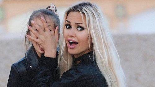 Виктория Боня решилась на экстремальное окрашивание волос
