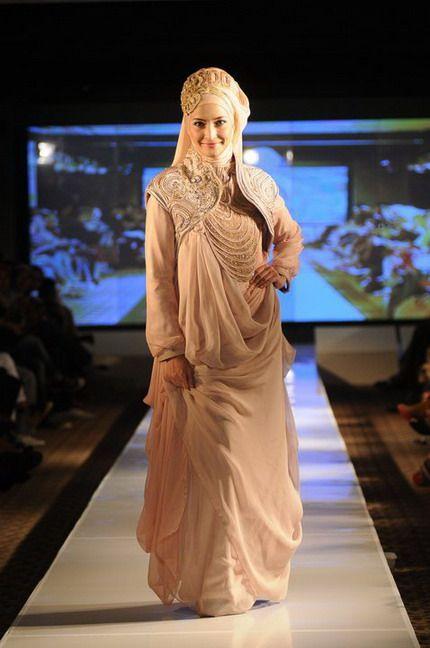Call me Ina: Muslimah Wedding Gown : IRNA LA PERLE