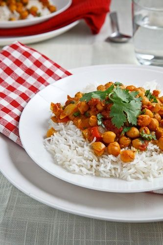 Chana Masala (Chickpea Curry)-One of the greatest things ever.
