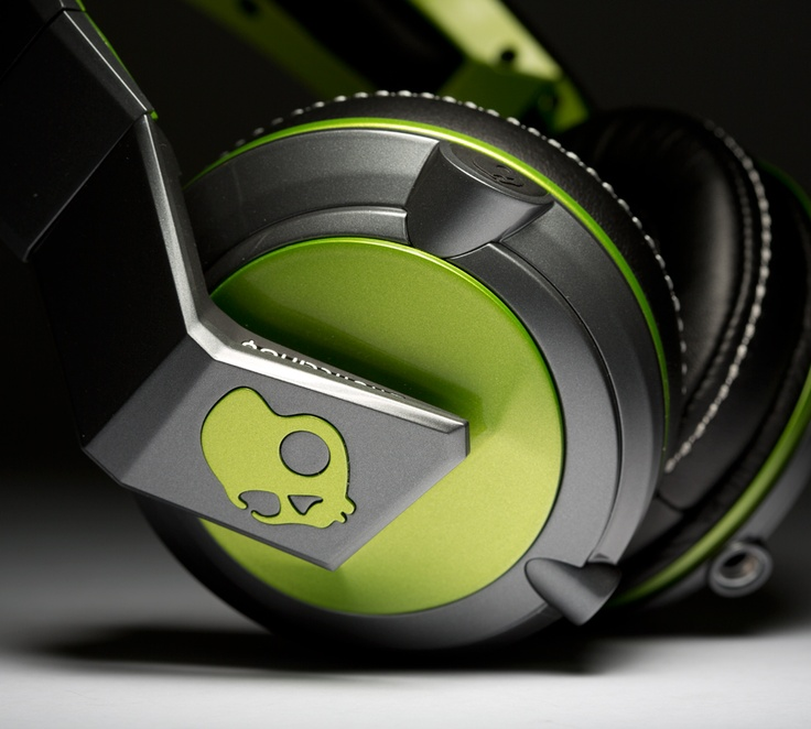 ColorWare Custom Skullcandy headphones