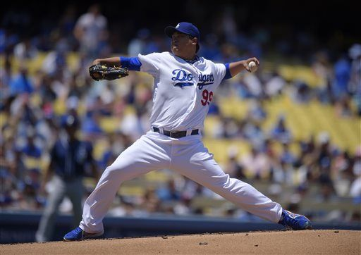 Los Angeles Dodgers starting pitcher Hyun-Jin Ryu, of South Korea, throws to the plate during the first inning of a baseball game against the San Diego Padres, Sunday, July 13, 2014, in Los Angeles. (AP Photo/Mark J. Terrill) ▼13Jul2014AP|Padres-Dodgers 7/13/2014 http://bigstory.ap.org/photo-gallery/padres-dodgers-7132014 #Hyun_Jin_Ryu #Los_Angeles_Dodgers
