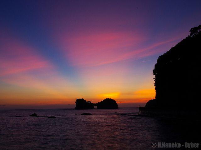 黄昏の円月島 (Engetsu Island with twilight)