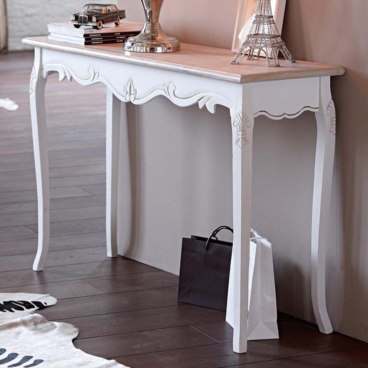 Konsole, bezaubernd antik anmutend, in Weiß-Braun mit sehr liebevoll und detailliert ausgearbeiteten Verzierungen. Aus Hartholz, MDF. Ca. 120 x 80 x 40 cm.   Bestellnummer: 3757171  € 179,00