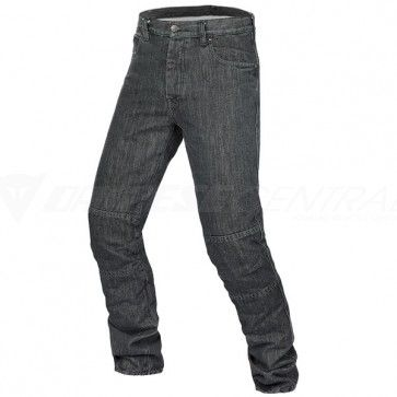 Comfortable, practical and stylish, new Kansas 1K trousers were designed to guarantee protection and safety even when wearing a fashionable item of clothing. As always, Dainese use only the very highest quality materials: the trousers are finished in denim with interwoven aramid and DuPont