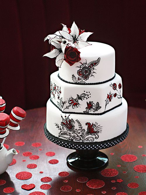 This is cute!!  Stunning Wedding Cakes We Can't Stop Looking At - MODwedding