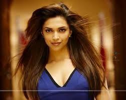 hotest scene in movie desi boys as radhika