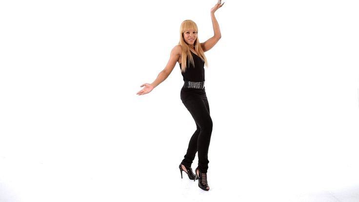 Learn to Dance Bachata - YouTube