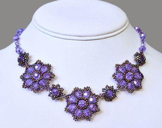 Free pattern for pretty beaded flower