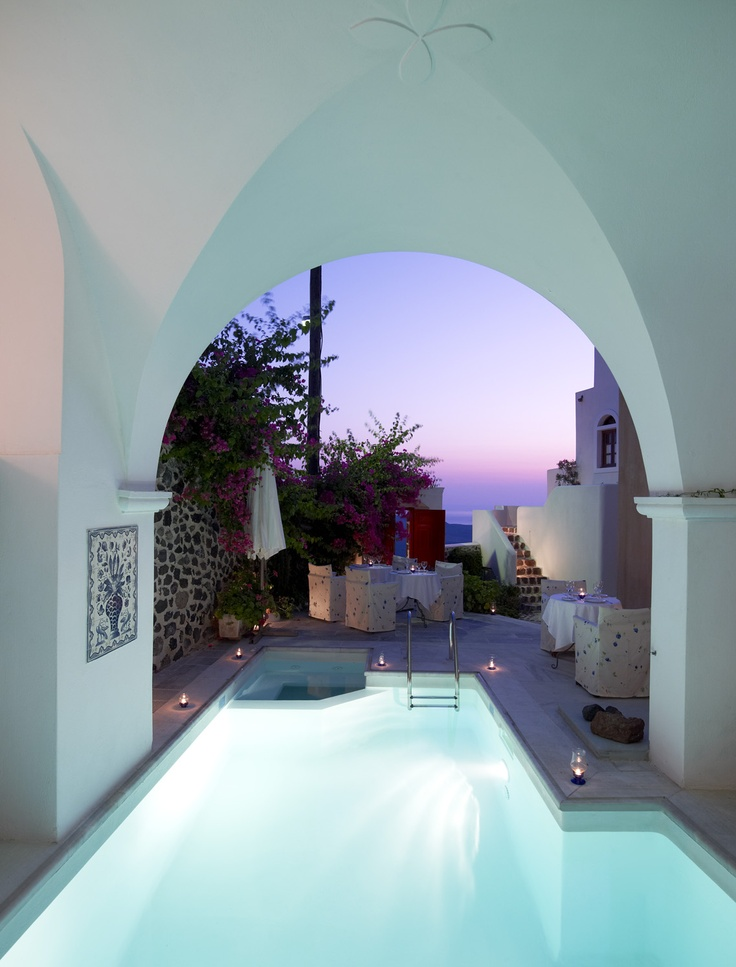 Pooling and Sunseting at the Aigialos hotel, Santorini