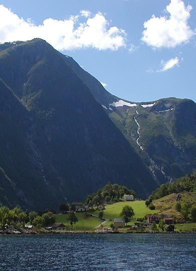 Finden Gard - Finnafjorden - Sogn