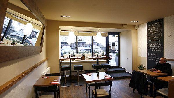 Tobiko - **  Restaurace Tobiko je místo, kde za cenu dobrého sushi prodávají podprůměr http://life.ihned.cz/jidlo/c1-59098470