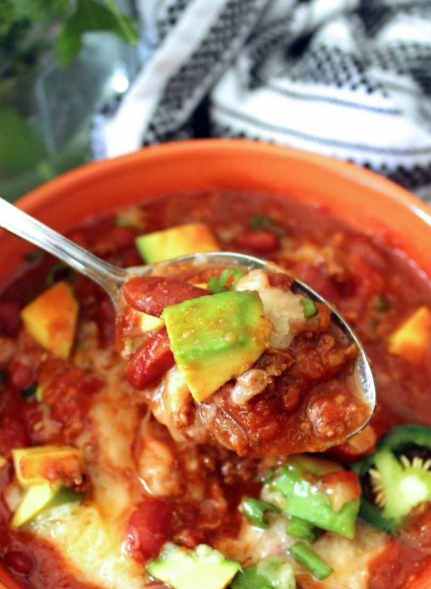 Crock-pot Beer Chili with Beans; is a delicious, hearty, comforting combination of dark Beer, extra-lean ground beef, quality ground pork, red peppers, yellow peppers, diced tomatoes with green chi…