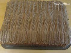 Orechový koláčik bez múky a cukru (fotorecept)