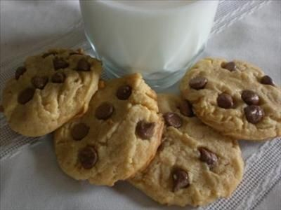 (Gluten Free) Peanut Butter Cookies with Chocolate Chips  Mmmmm