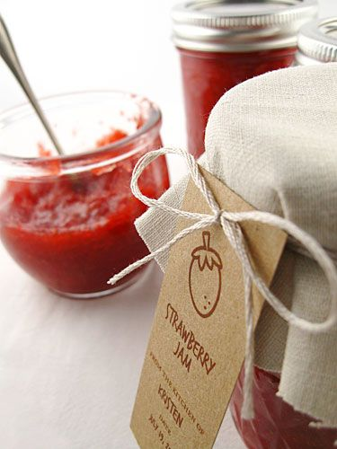 Free printable labels for just about ever type of jam or marmalade. Happy summer canning!