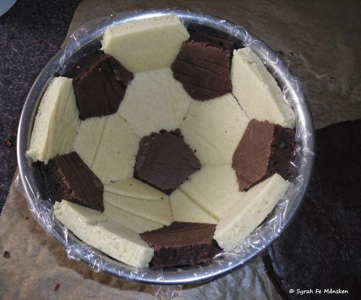 Obwohl ich kein Fußball-Fan bin - eine weltmeisterliche Fußball-Torte gibts trotzdem! #vegan #wm2014