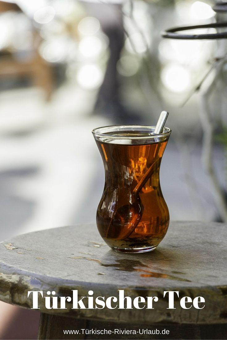 Die Farbe des türkischen Schwarztees wird erst so richtig in den traditionellen tulpfenförmig geformten Teegläsern zur Geltung gebracht. >> http://www.tuerkische-riviera-urlaub.de/tuerkischer-tee-cay/