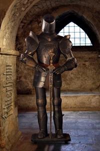 Oscuro Armatura medievale cavaliere 185cm