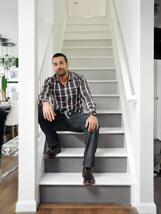 Dress up your staircase with this trendy ombre look featured on HGTV's Cousins Undercover. Start at the bottom with a favorite hue, then add a little more white paint to the mix each time you move up to the next riser (hunky HGTV host not included).Ideas, Anthony Carrino, Ombre Stairs, Hgtv S Cousins, Trendy Ombre, Cousins Undercover, White Painting, Ombre Staircase, Ombré Stairs