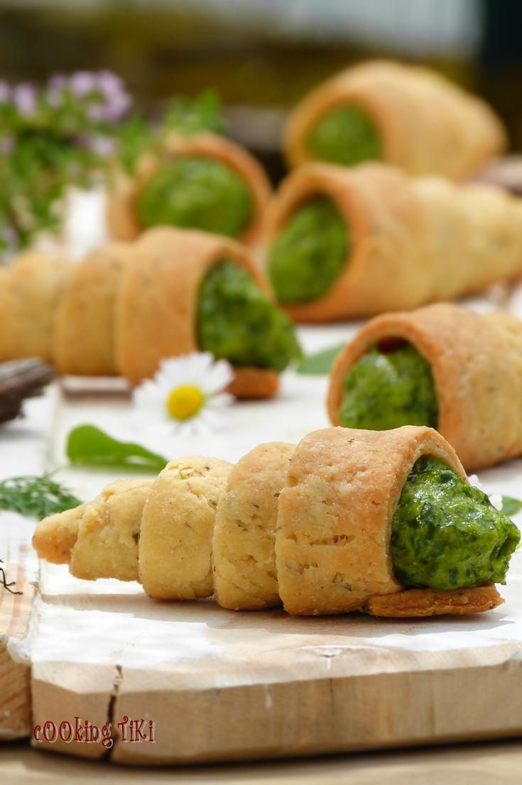 Pastry cones with spinach and tahini mousse by Cooking Tiki |
