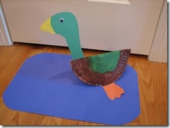 Make Way for Duckling - paper plate duck craft