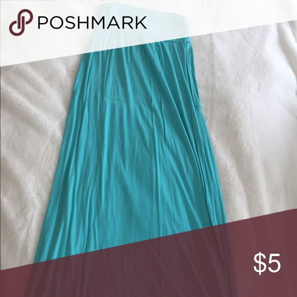 Maxi skirt Teal maxi skirt from wet seal. Size medium. Excellent condition Wet Seal Skirts Maxi