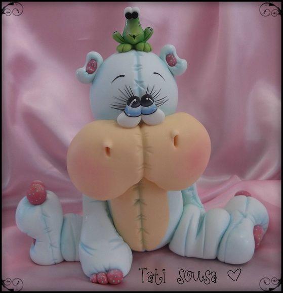 Hipopótamo em porcelana fria para decoração infantil.  By Tati Sousa
