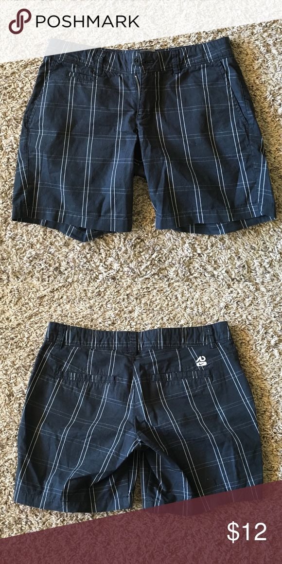 Nike Bermuda Plaid Golf Shorts Nike plaid Bermuda golf shorts (only worn once) Nike Shorts Bermudas