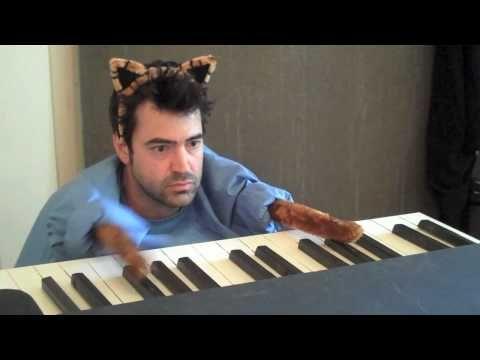 Youtube Keyboard Cat Redux