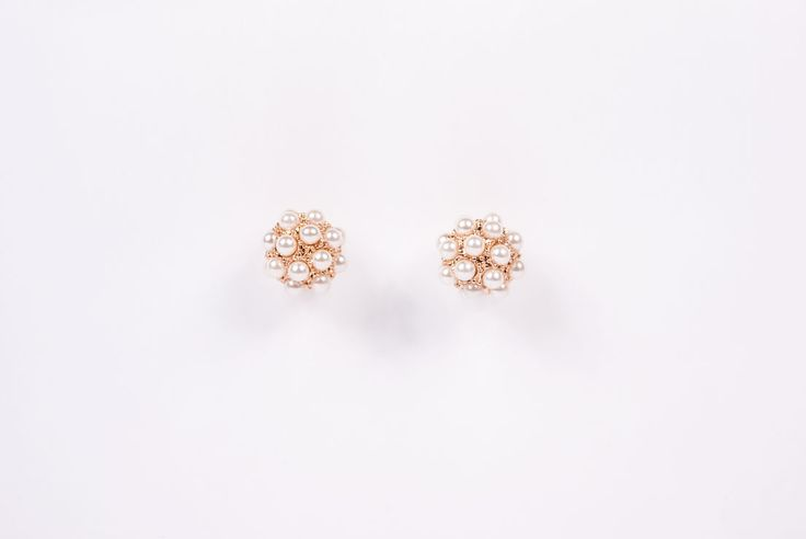 Ball with Pearl Stud Earrings for €29,90 by Golden Eight