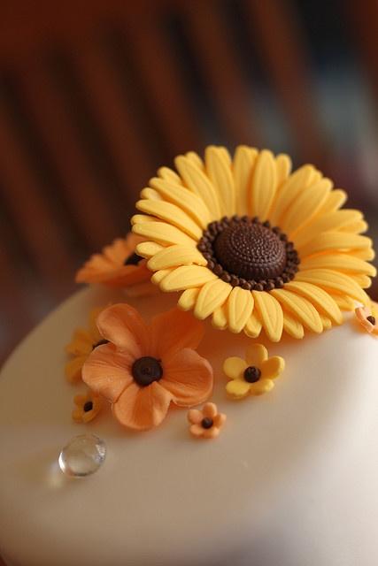 Sunflower and mini flower fondants