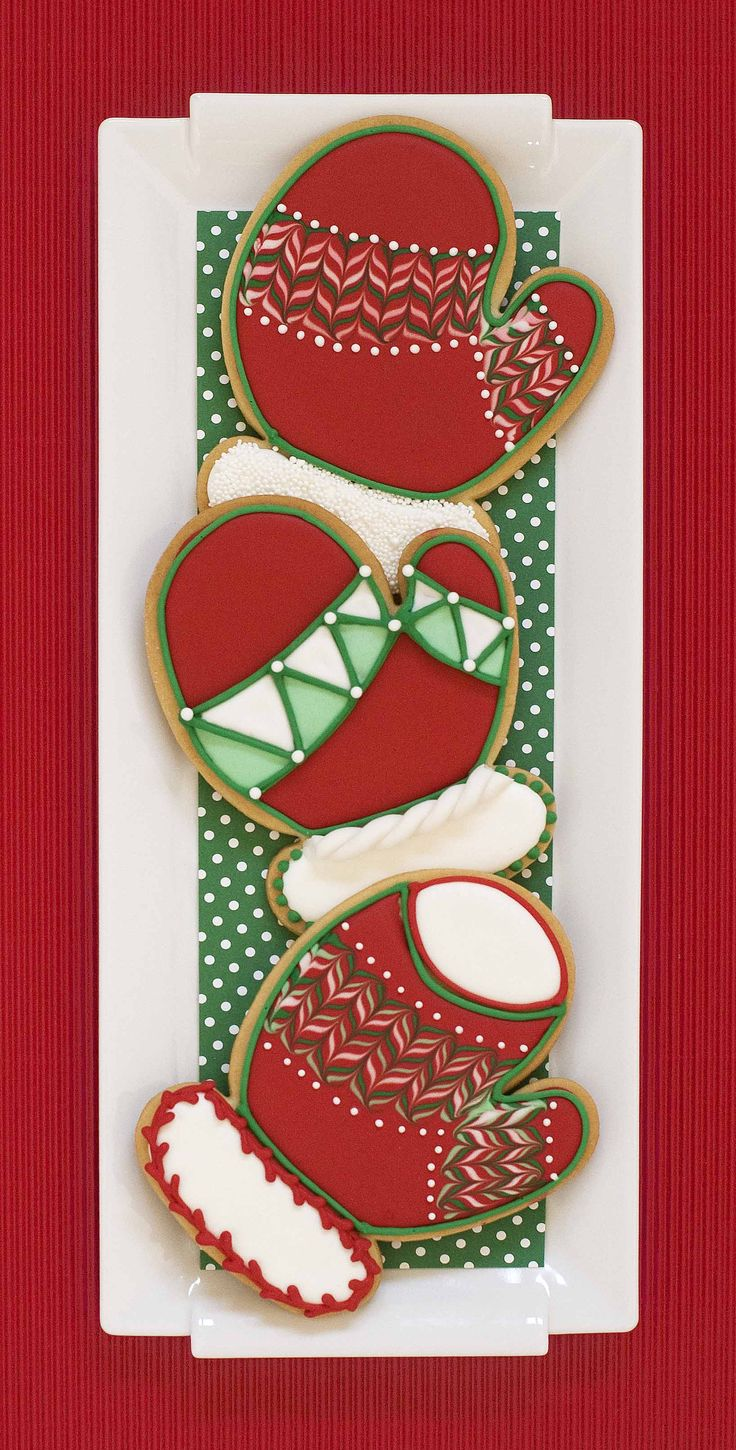 Simple Marbled and Dotted Mitten Cookies by Julia M. Usher; photo by Karen Forsythe