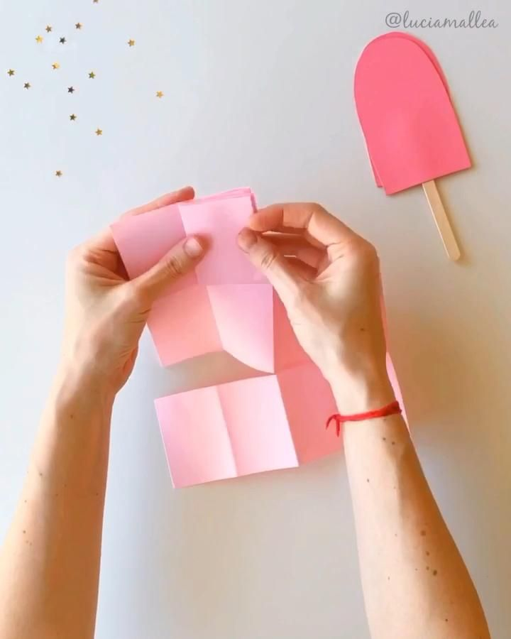 Fan de este anotador / agendita / cuadernito helado! Party Invitations, Party Favors, Handmade Notebook, Popsicle Stick Crafts, Ice Cream Party, Note Paper, Popsicles, Origami, Diy